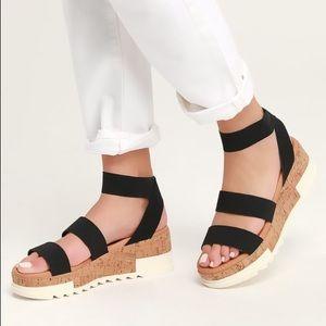 Steve Madden Bandi Black Flatform Sandal